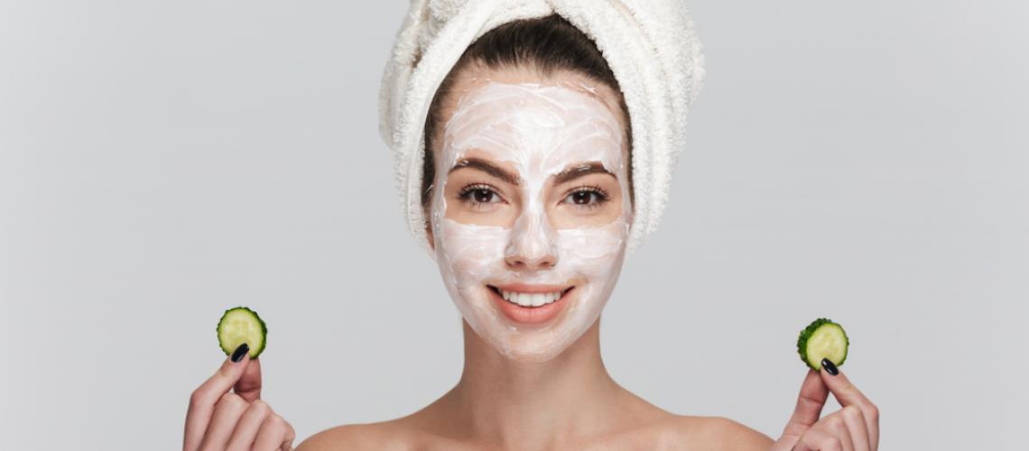 Proč používat přírodní kosmetiku? Prospívá celému tělu, dá se jíst a nádherně voní. Kromě toho podpoříte lokální výrobce.