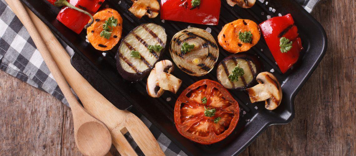 Vegetariánské grilování si zpestřete - zkuste houby, burgery z luštěnin nebo ananas